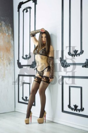 Hyana live escort, nuru massage
