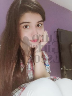 Aliye massage parlor and call girl