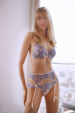 Hanae nuru massage & live escorts
